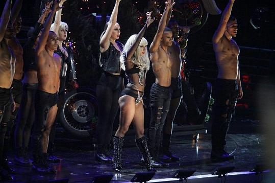 Na špíčky u Lady Gaga nejsme zvyklí.