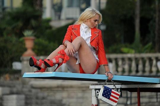 Lindsay Lohan si poslední dobou vydělává spíš jako modelka, než herečka.