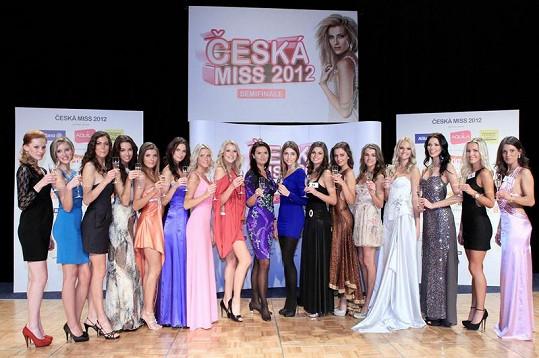 Tohle je čtrnáct finalistek České Miss.