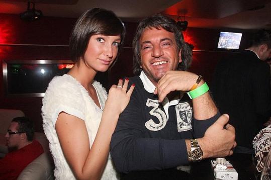 Se svými expartnery Dominika udržuje přátelské vztahy i po rozchodu. To platí i v případě Antonia Tornaga.