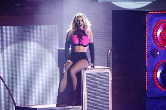 Fanoušci si pochvalují, že se vrací stará Britney.