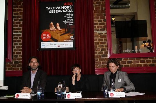 Bára Basiková na tiskovce kampaně proti HIV/AIDS Dej si bacha!.