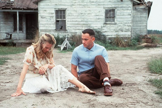 Robin Wright a Tom Hanks jako Jenny a Forrest.