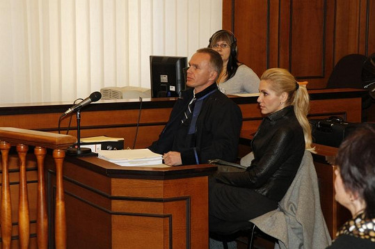 Advokát Robert Vladyka se o Daru Rolins rve jako lev.