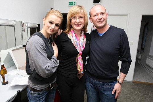 Jirešová s Duchkovou a Davidem Novotným.