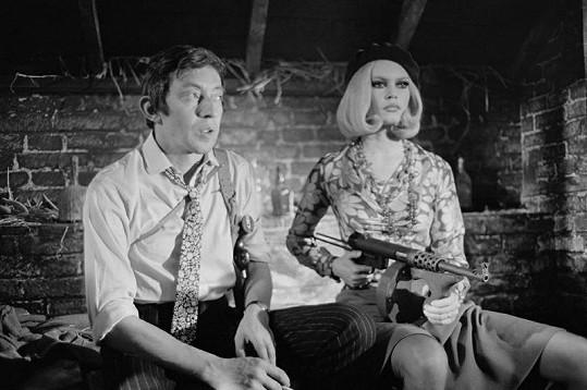 Brigitte Bardot a Serge Gainsbourg jako Bonnie a Clyde.