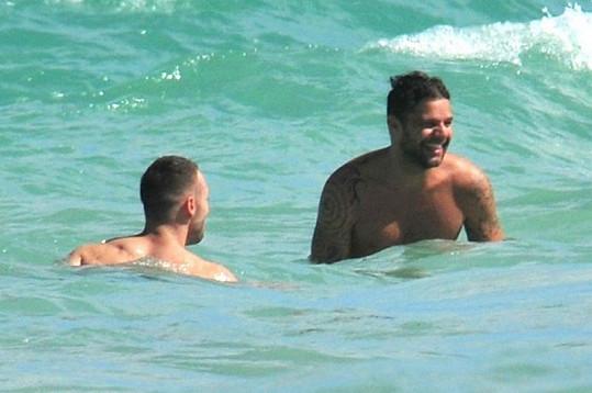 Ricky Martin se bavil ve společnosti svého partnera Carlose.