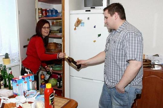 Cajthamlová kontrolovala Kantorovi lednici.