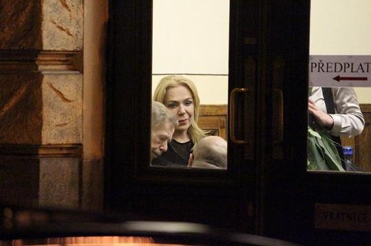 Havlová debatovala se svým manželem a režisérem Morávkem.