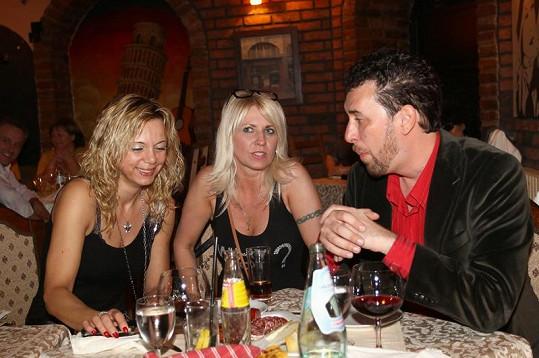 Domenico s Věrou na večeři.