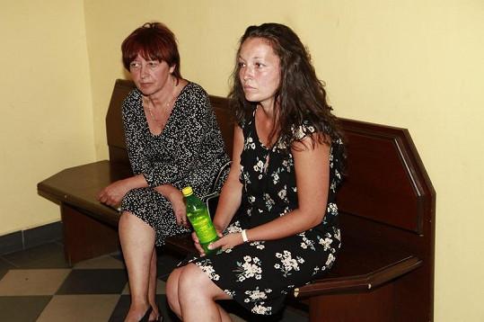 Olga Rotreklová s dcerou Janou zřejmě opět dorazí k soudnímu stání.