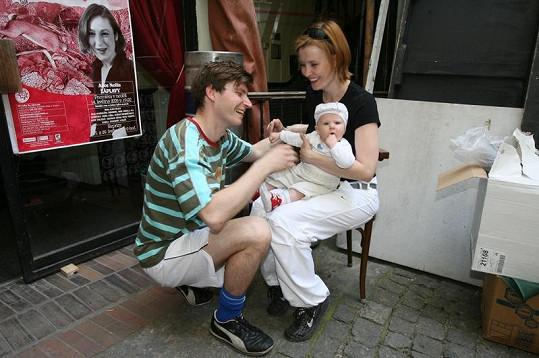 Jitka, David Švehlík a malá Sofie ještě jako šťastná rodina.
