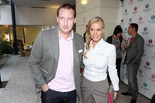 Michaela Ochotská s expřítelem Michalem Exnerem. Opustila ho kvůli tenistovi Lukáši Rosolovi.