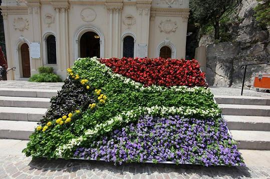 Monako svatbou žije, což dokazuje nejen výzdoba v ulicích.