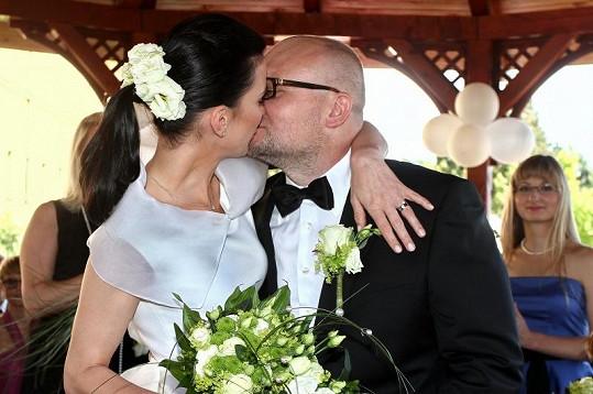 Herečka Michaela Maurerová se vdala za otce svých dvojčátek Milana Kožíška.