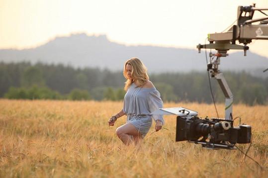 Videoklip se natáčel dva dny a jednu noc na polském hradě Bobolice.