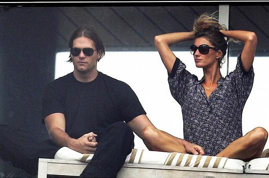 Gisele s Tomem při sledování letošního karnevalu v brazilském Riu.