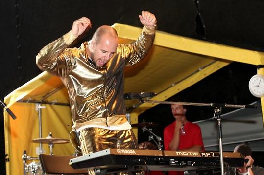 Franta Soukup odložil hůl a tančil.