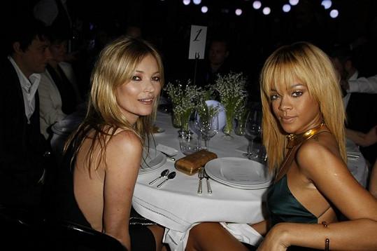Na přehlídce se ukázala i Rihanna.