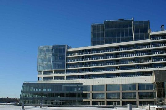 Pohled na luxusní obytný komplex Gorod yacht, kde má byt i Naomi Campbell.