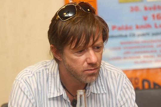 Jiří Langmajer vypadá po nemoci zad stále ještě vyčerpaně.