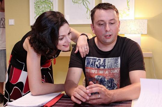 Klára Issová a Marek Daniel v seriálu.