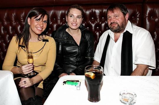 Andrea Kalivodová a Olga Menzelová dělaly společnost manželovi Gábiny Partyšové.