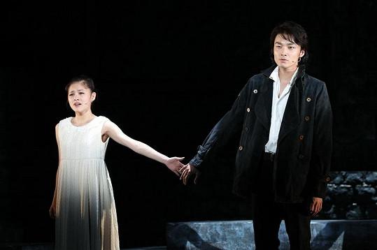 Premiéra Hamleta v Japonsku byla prý plná emocí. Ledecký se dočkal potlesku vestoje.