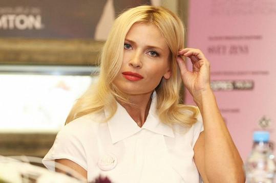 Daniela Peštová je nádherná i ve čtyřicítce.