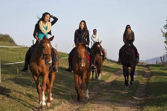 Na soustředění se jezdilo na koních.