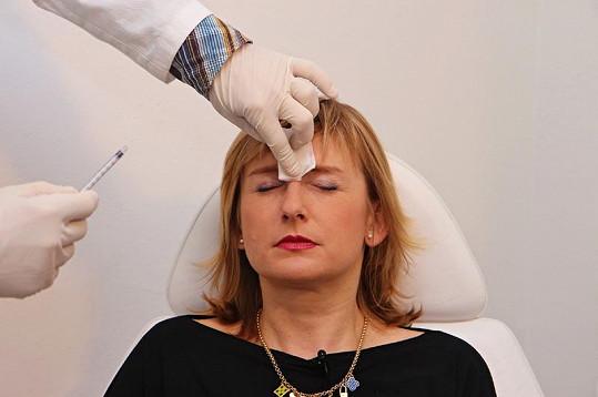 Duchková po injekční aplikaci látky.