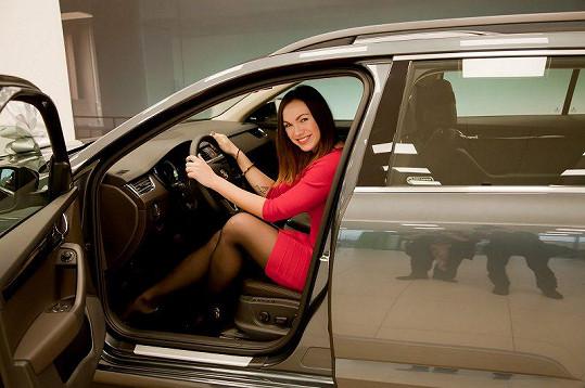 Auto potřebuje prakticky denně, zpívá po celé republice.