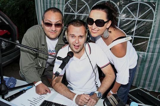 Patrik Hezucký, Pavel Cejnar a Lucie Šilhánová před šlehačkovou bitvou.