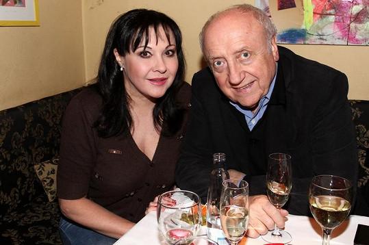 Dáda Patrasová přišla s manželem Felixem Slováčkem.