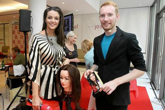Iva s kadeřníkem celebrit Mártym.