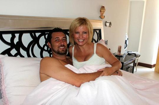 Domenico a Iveta v posteli.