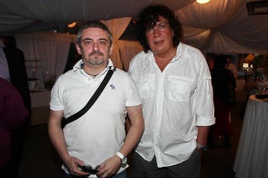 Michal Suchánek a Richard Genzer na zahradě Richterovy vily.