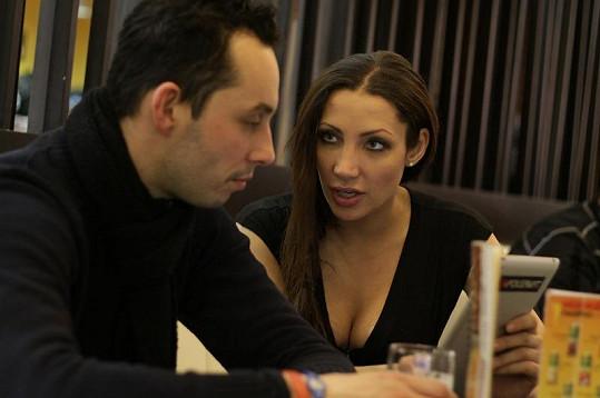 Olga Lounová se svým údajným novým přítelem Pavlem Valouškem.