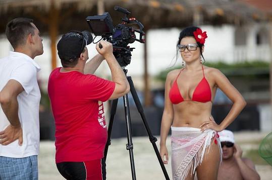 Barbora při natáčení.