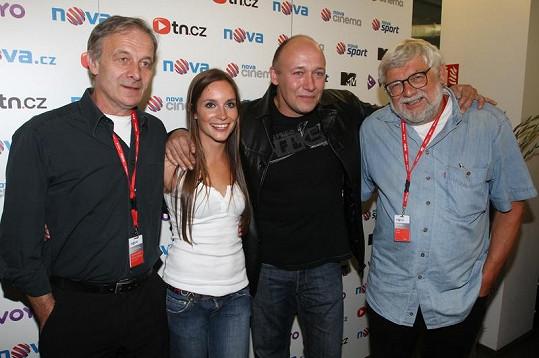 Herci Jan Novotný, Hana Vagnerová a Robert Jašków se scénaristou Josefem Klímou.
