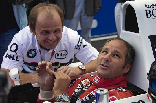 Gerhard Berger ve voze F1.
