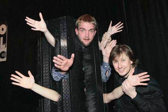 Libor Bouček se stal nadšeným kouzelníkem amatérem.