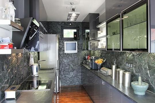 Kuchyň je také přepychová.