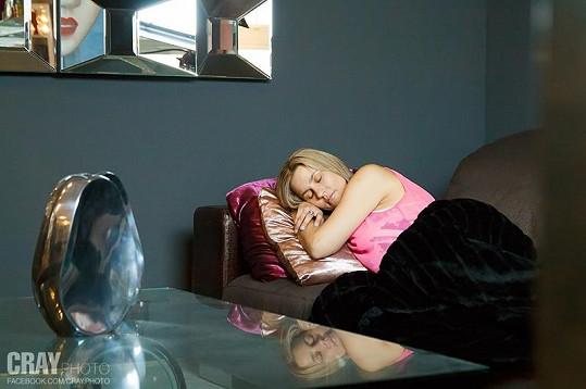 Monika Marešová musela točit i intimnější scény.