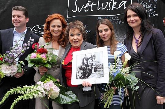 Bohdalová a Stašová dostaly od organizátorů dárky.