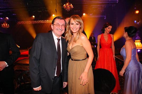 Monika Absolonová s předsedou muzikálové poroty Zdeňkem Bartákem.