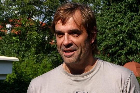 Miroslav Etzler omezil porce jídla a propadly mu tváře.
