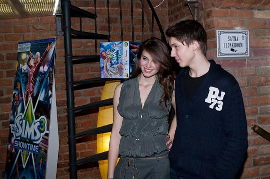 Dominika s přítelem.