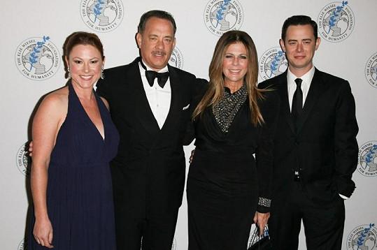 Tom Hanks se svou ženou Ritou Wilson, Colinem a jeho manželkou Samanthou Bryant (úplně vlevo).