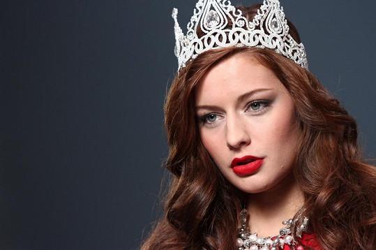 Tereza Chlebovská s korunkou královny krásy.